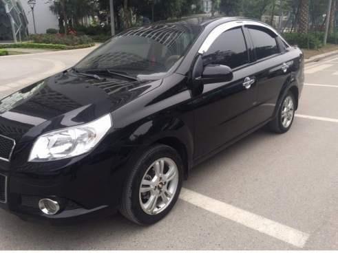 Bán Chevrolet Aveo MT đời 2017, màu đen còn mới, giá tốt