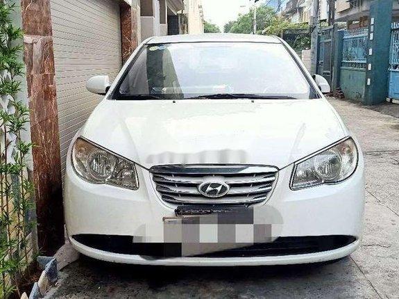 Bán Hyundai Elantra đời 2011, màu trắng, nhập khẩu, xe gia đình