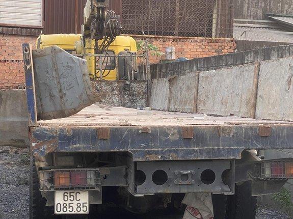 Bán xe tải: Dongfeng (DFM) 18.7T năm sản xuất 2016, màu vàng
