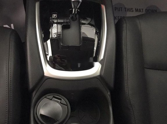 Bán xe Nissan X trail năm sản xuất 2020, màu đen