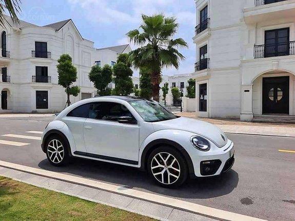 Cần bán xe Volkswagen Beetle Dune 2.0 đời 2018, màu trắng, nhập khẩu nguyên chiếc