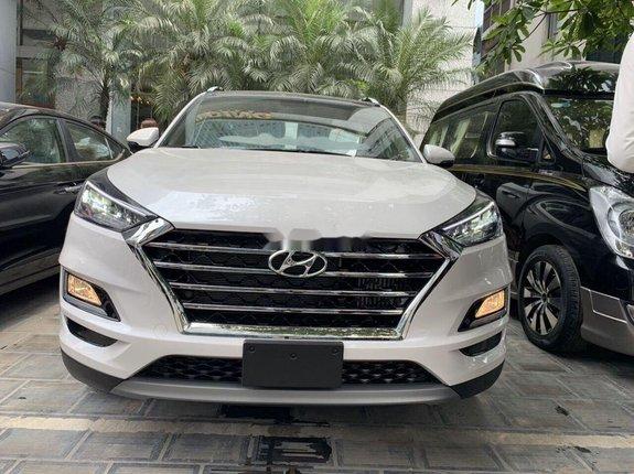 Bán xe Hyundai Tucson 2020, màu trắng