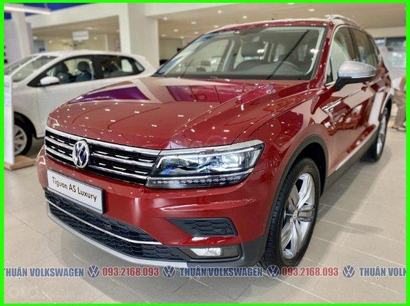 SUV 7 chỗ Tiguan Luxury màu đỏ tháng 5/2021 giảm tiền mặt + phụ kiện hãng khi gọi Mr Thuận để có giá đẹp