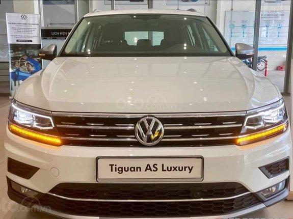 Bán Volkswagen Tiguan Luxury màu trắng, tặng phí trước bạ. Toàn quốc còn 1 xe duy nhất, giao ngay
