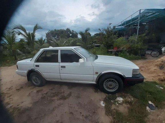 Bán Nissan Bluebird sản xuất năm 1985, màu trắng, xe nhập