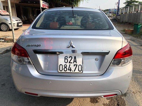Bán ô tô Mitsubishi Attrage đời 2017, màu bạc, nhập khẩu