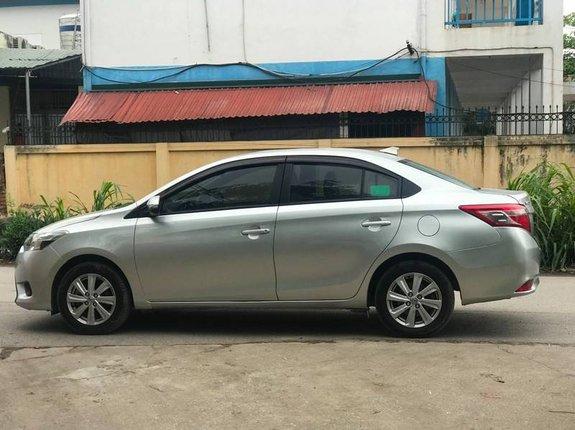Bán Toyota Vios E 1.5MT sản xuất năm 2016, màu bạc xe gia đình, 365tr