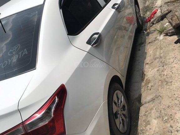 Cần bán gấp Hyundai Grand i10 năm 2018