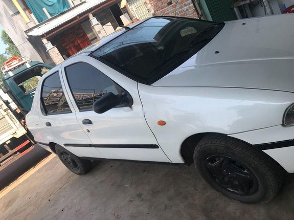 Bán Fiat Siena sản xuất 2002, màu trắng, 47 triệu
