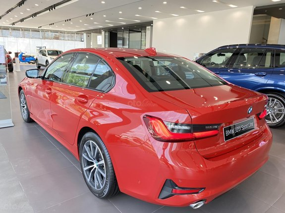 Bán BMW Series 3 là dòng sản phẩm đặc trưng và là thước đó chuẩn mực của sự thể thao, năm sản xuất 2020