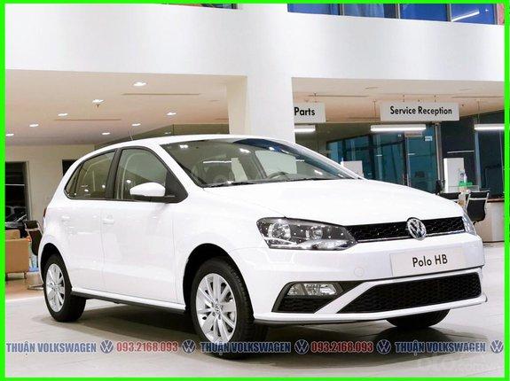Xe Đức nhập 100% Polo Hatchback màu trắng phái nữ hoặc gia đình nhỏ, Lh Mr Thuận 24/7