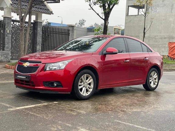 Cần bán xe Chevrolet Cruze LS năm 2015, màu đỏ