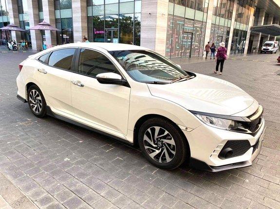 Cần bán nhanh chiếc Honda Civic bản E 2018