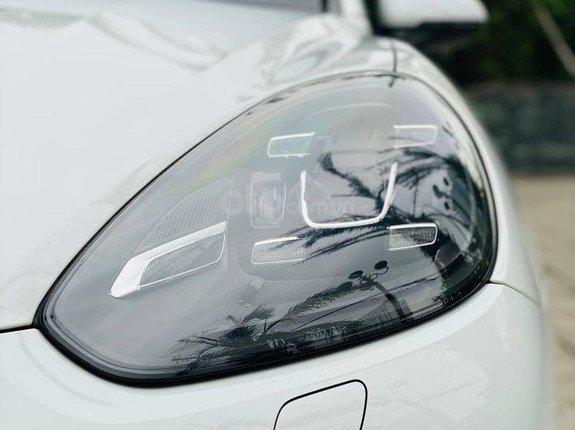 Cần bán gấp Porsche Cayenne sản xuất năm 2017, màu trắng, nhập khẩu
