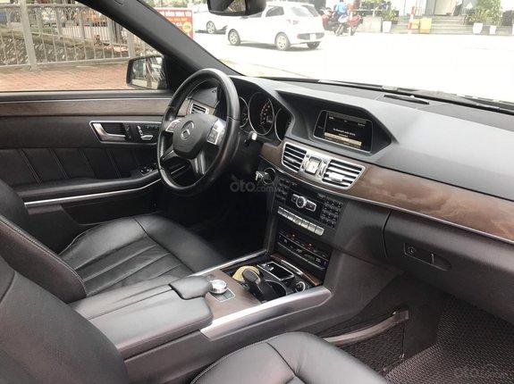 Bán xe Mercedes-Benz E class E200 2014, màu đen