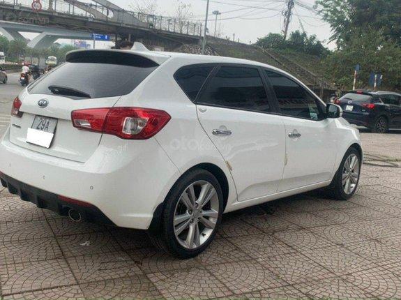 Cần bán lại xe Kia Cerato năm 2011, màu trắng, nhập khẩu còn mới giá cạnh tranh