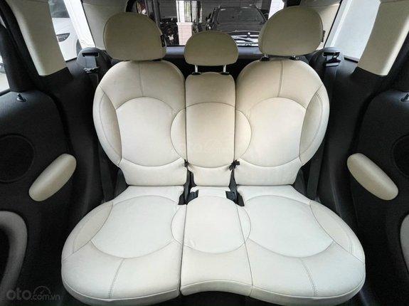 Bán Mini Cooper Coutryman 2014 màu trắng, nội thất kem, xe đẹp đi đúng 33.000km bao kiểm tra hãng