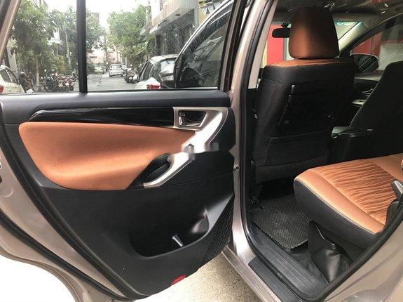 Cần bán xe Toyota Innova G đời 2016, màu xám xe gia đình giá cạnh tranh
