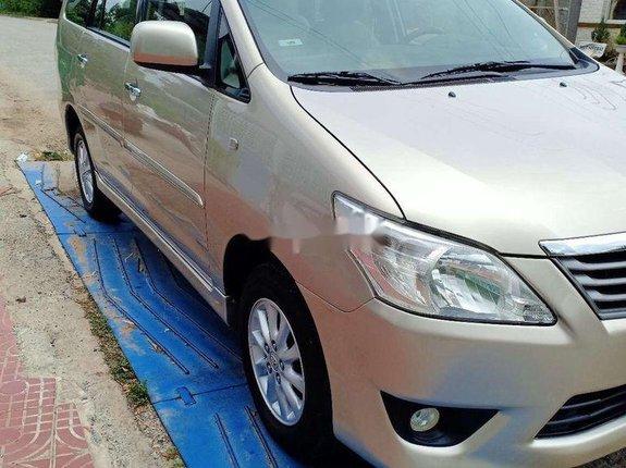 Xe Toyota Innova sản xuất năm 2014 còn mới