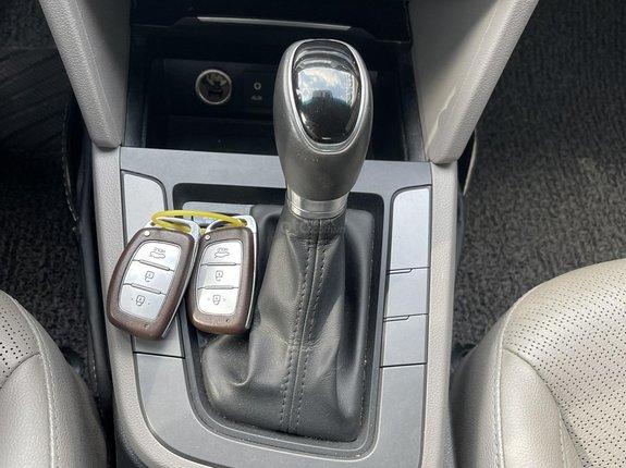 Cần bán gấp Hyundai Elantra 1.6 AT GLS năm 2016, giá chỉ 520 triệu