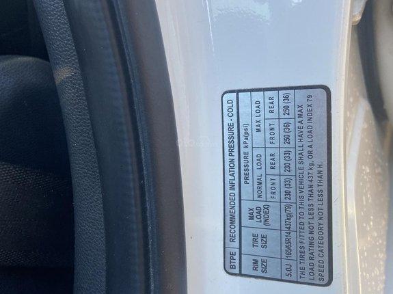 Cần bán chiếc Hyundai Grand i10 đời 2015, xe nhập, số sàn, khoá thông minh