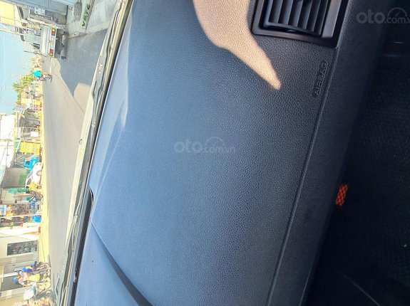 Cần bán gấp Ford Mondeo đời 2003, màu bạc