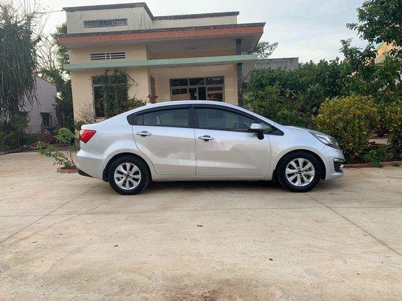 Cần bán xe Kia Rio sản xuất 2016, màu bạc, nhập khẩu