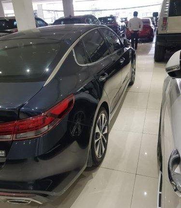 Cần bán gấp Kia Optima sản xuất 2019, màu xanh lam còn mới