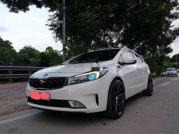 Cần bán Kia Forte sản xuất 2018, màu trắng còn mới, giá 460tr
