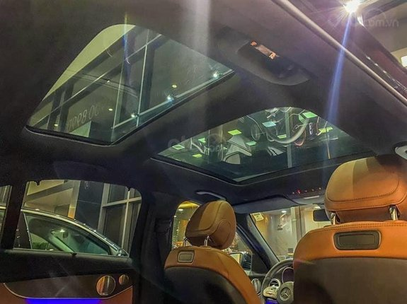 [Ưu đãi lớn tháng 6] Mercedes C300 AMG thể thao mạnh mẽ - trả trước 620triệu nhận xe - ưu đãi khủng và quà tặng bất ngờ