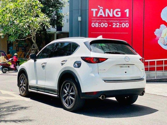 Xe Mazda CX 5 2.0 năm 2019, màu trắng