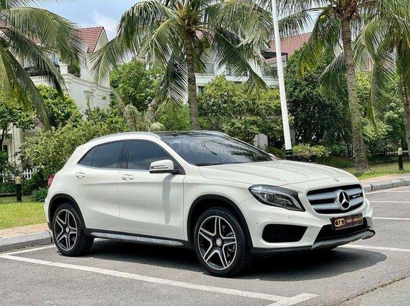 Cần bán xe Mercedes GLA 250 AMG đời 2015, màu trắng