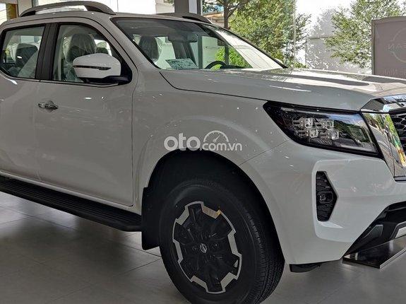 Bán Nissan Navara sản xuất năm 2021, màu trắng, nhập khẩu nguyên chiếc, 895 triệu