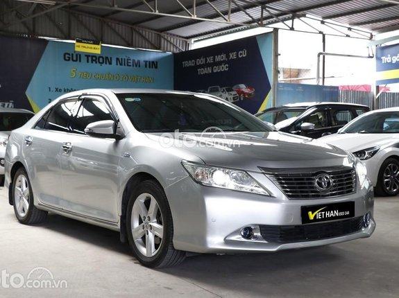 Bán Toyota Camry 2.5Q 2013, màu bạc