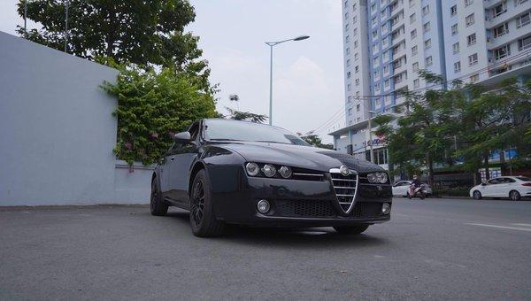 XE NGON GIÁ TỐT | Xe thể thao hiếm Alfa Romeo 159 đời 2013 giá chưa tới 1 tỉ.1