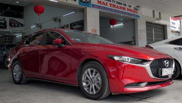 XE NGON GIÁ TỐT   Xe sedan lướt MAZDA 3 với ODO 12.000 km có giá chỉ hơn 600 triệu đồng.5