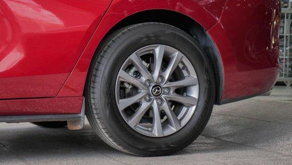 XE NGON GIÁ TỐT   Xe sedan lướt MAZDA 3 với ODO 12.000 km có giá chỉ hơn 600 triệu đồng.7