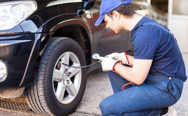 Kinh nghiệm bơm lốp ô tô luôn chuẩn áp suất
