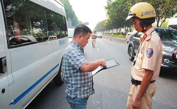 Nghiêm cấm hành vi lái xe khi chưa có bằng lái xe ô tô