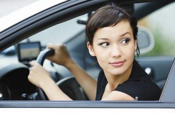 Cách lấy lái khi lùi xe chính xác và an toàn