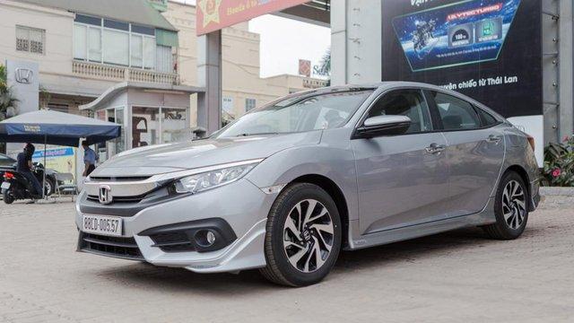 Đánh giá xe Honda Civic 1.8E 2018 vừa về Việt Nam