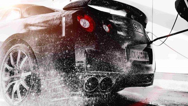 Tránh hư ô tô khi rửa xe áp suất cao