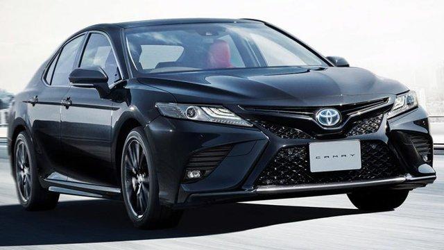 Toyota Camry Black Edition bản 'Bao Công' chào giá 921 triệu đồng