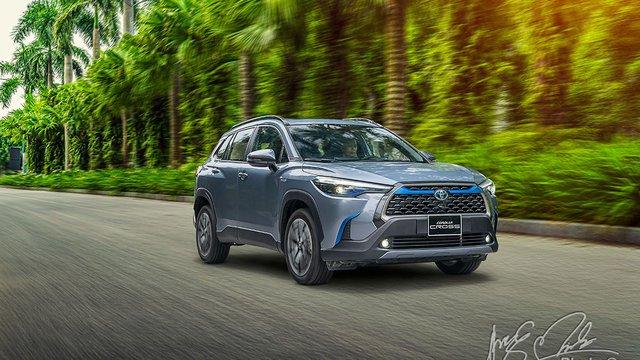 Đánh giá xe Toyota Corolla Cross 1.8HV 2020: Tiên phong công nghệ xanh
