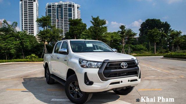 Đánh giá xe Toyota Hilux 2020, phiên bản mới nâng cấp tại Việt Nam