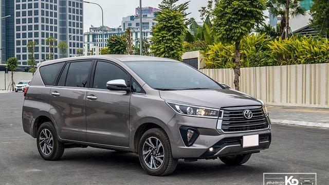 Đánh giá xe Toyota Innova 2.0G 2021: Số tự động chạy dịch vụ khỏi chê