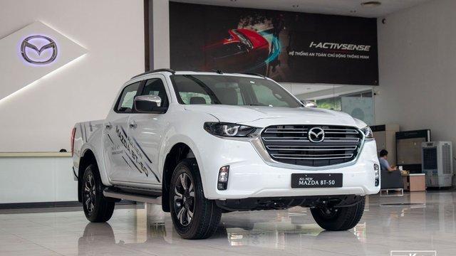 Đánh giá xe Mazda BT-50 2021 vừa về đại lý: Có gì để thách đấu Ford Ranger?