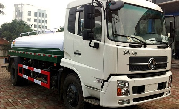 Bán xe phun nước rửa đường tưới cây 9 khối, xe téc chở nước rửa đường tưới cây 5 khối