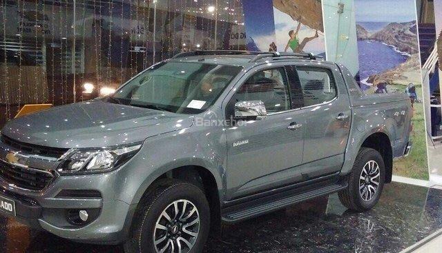 Bán tải Chevrolet Colorado phiên bản 2018 màu xám, khuyến mãi lớn đưa trước 10% nhận ngay xe