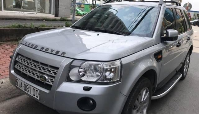 Bán xe LandRover Freelander đời 2011, màu bạc, 775 triệu